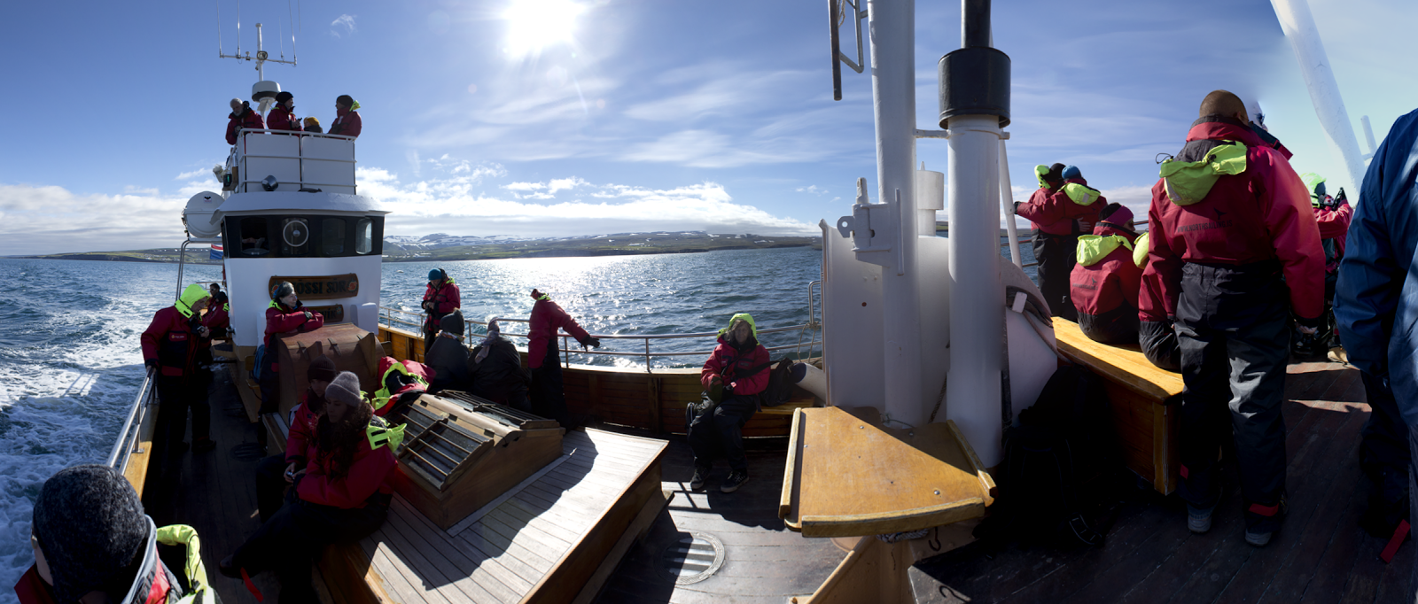 small-panoramas-015-husavik-on_the_boat