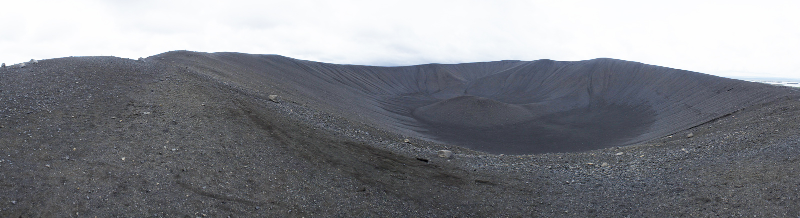 Hverfjall from the path looking south
